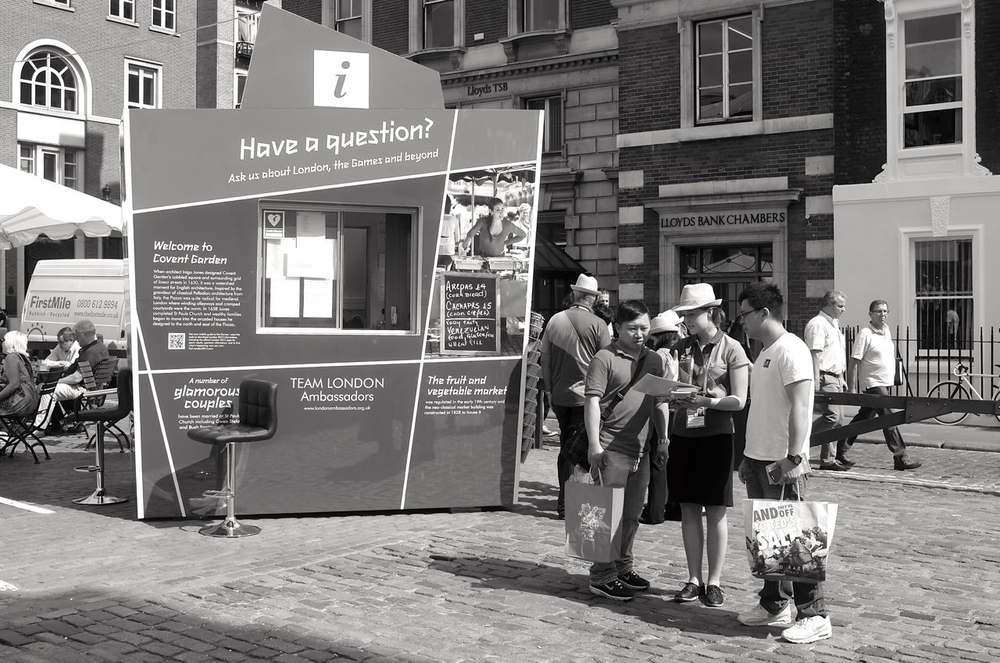 Any questions, please, in a multitude of languages. This information point is on the edge of Covent Garden, a few yards from Apple