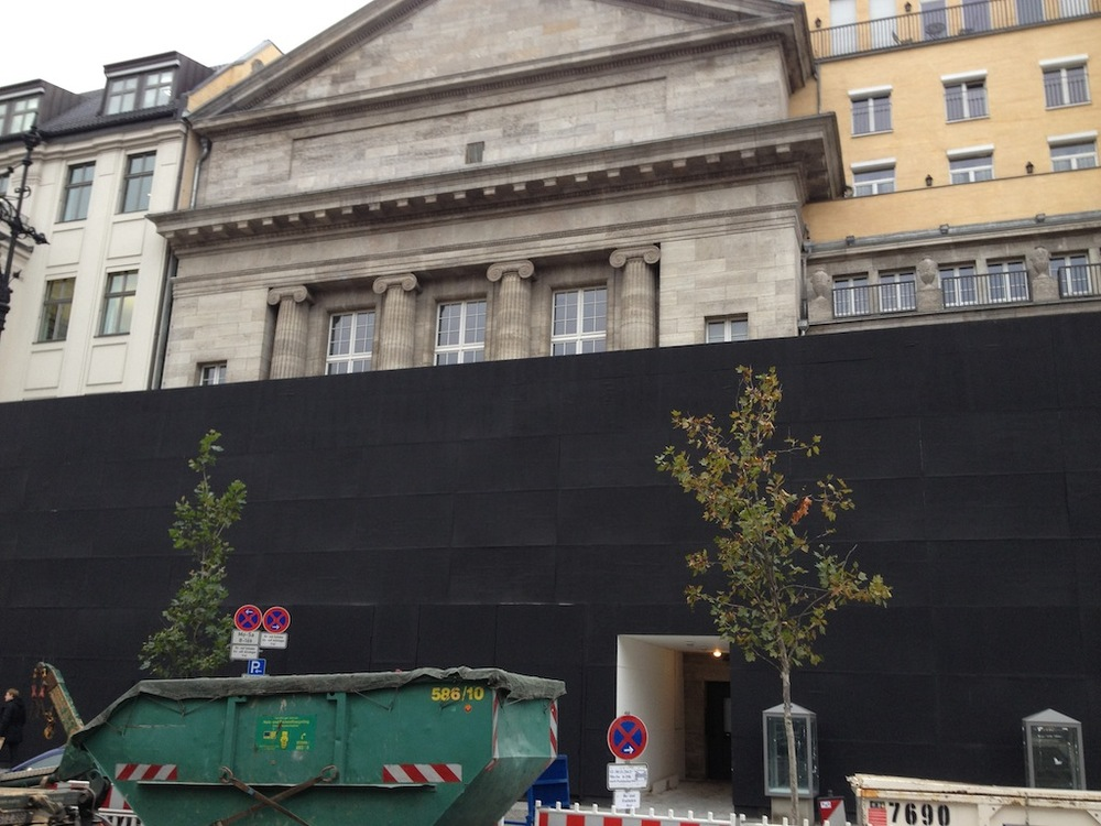 Still under construction, the Apple Store with the longest gestation period is coming to Berlin in March. (Photo courtesy of  Macerkopf.de )