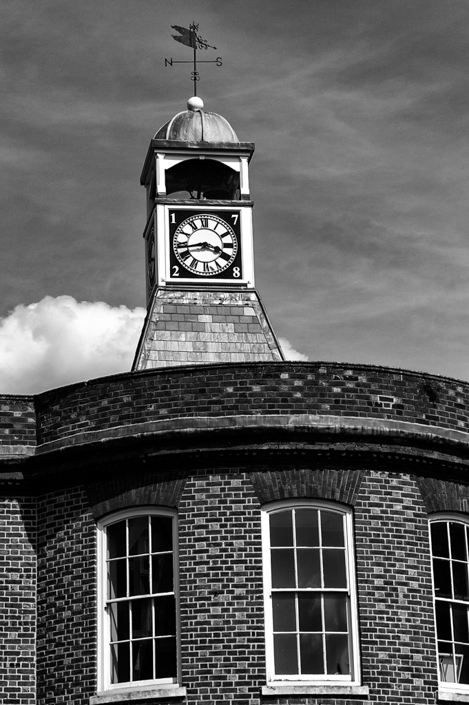 The clock, another nice subject for the MM. This is an example of a heavy crop of the original frame. It demonstrates both the quality of the Tri-Elmar (at 50mm) and the terrific resolving power of the Monochrom (Photo Mike Evans) (Original uncropped version below)