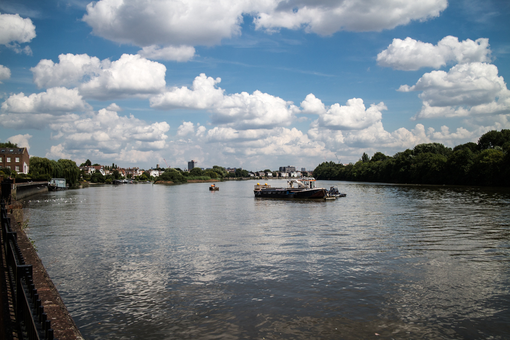 River Thames looking towards Hammersmith, f/5.6