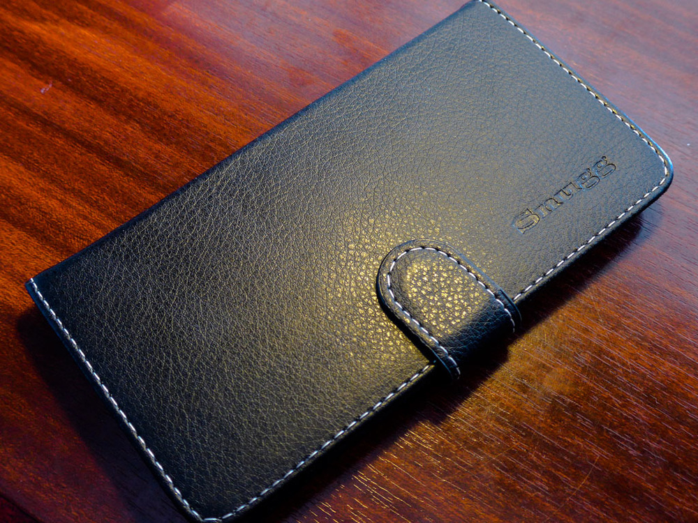 The Snugg slipcase is well made, attractive and complements the 6 Plus effectively