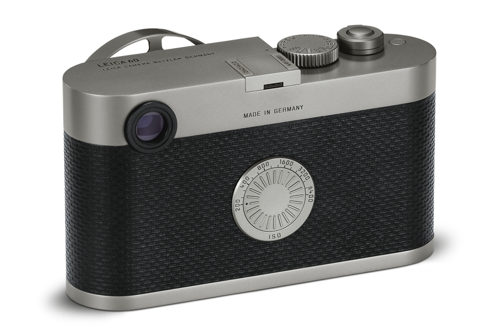 No screen, no buttons, no unnecessary settings, just a prominent ISO dial as on the current M7 film camera. And no video!