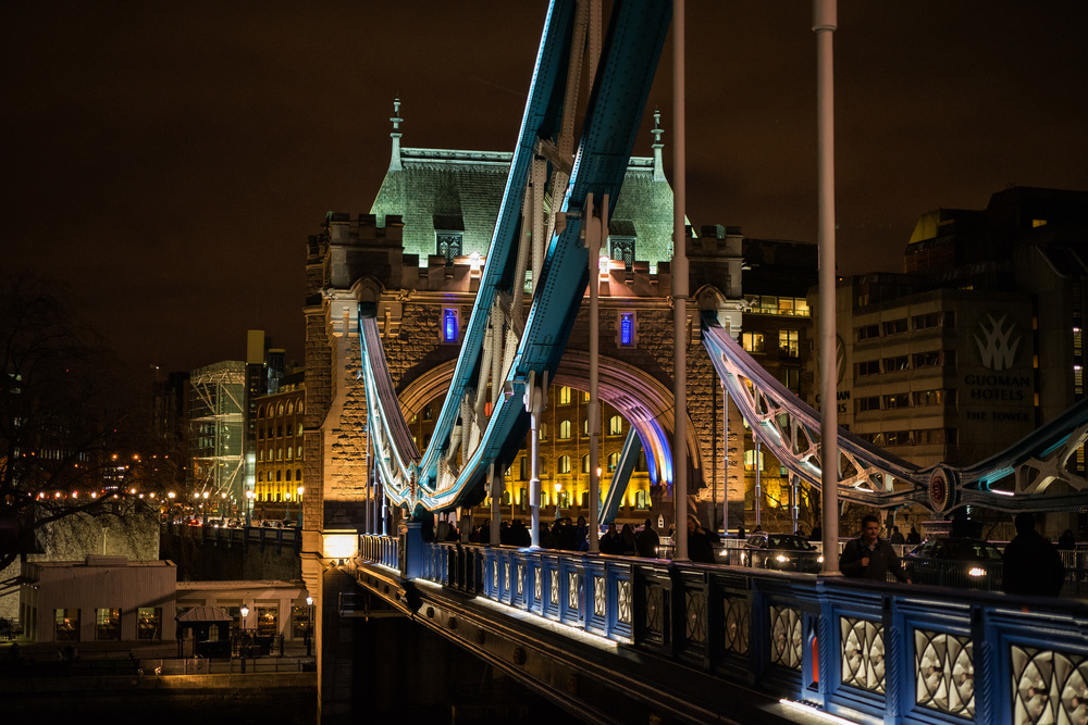 Tower Bridge at night, Sony A7II, f/4 at 1/60s, ISO 1600. Stabilisation on the Sony aids low-light, hand-held shots such as this ©Mike Evans