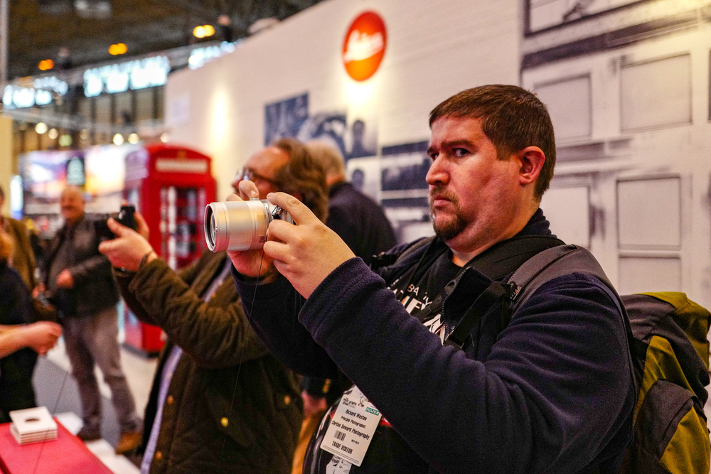 Rule No.1 when trying a new camera: Always look out for the photographer pointing a Leica Q in your direction