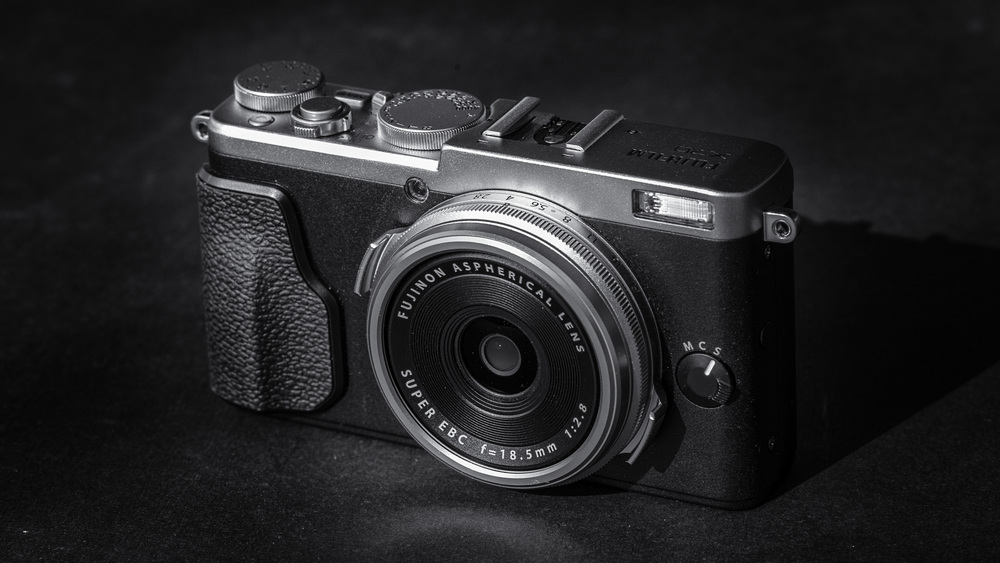 Fuji X70: First impression hands-on with the new Baby X