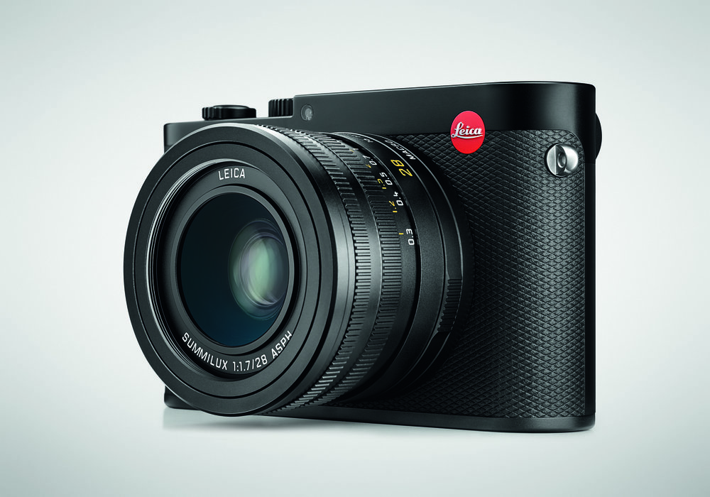 The photographic world is ready for a new APS-C TL system camera based on the more conventional body of the Leica Q, with built-in viewfinder.