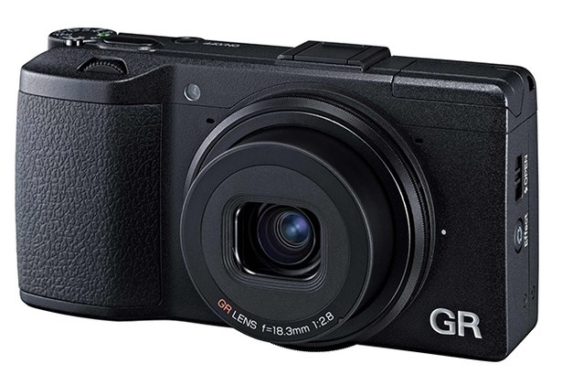 The Ricoh GR is a great pocket camera with APS-C sensor and f/2.8 28mm lens, unobtrusive and ideal for street photography. But could the Fuji X70 be about to steal its crown?