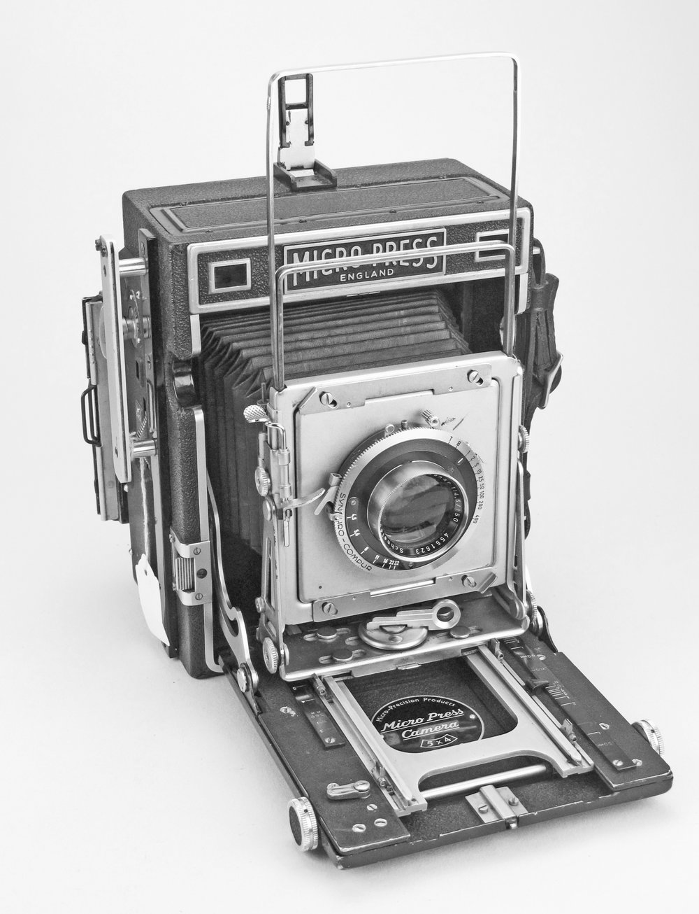 [Fig.13] MPP Micropress Camera with Xenar f/4.5 150mm lens and spring back for 5x4 plates, introduced in 1951.
