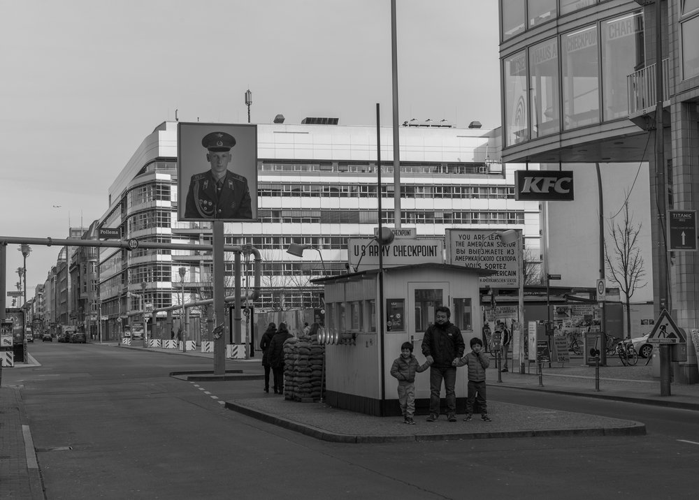 Checkpoint Charlie pastiche 2017: This badly executed tourist