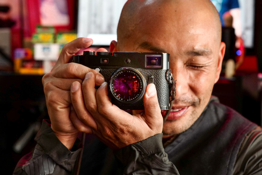 Kai Elmer Sotto with his well-worn M-P (Leica SL and 50mm Apo-Summicron)
