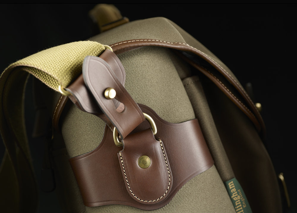 The 5cm heavy-duty canvas strap is 1.5cm wider than that on the Hadley Pro and is more comfortable to wear, especially with the optional shoulder pad fitted. Note the quick-release leather fasteners