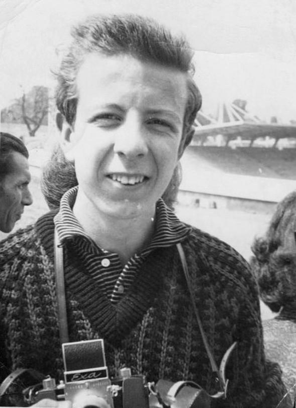 John Shingleton Junior with his two-speed Exa camera