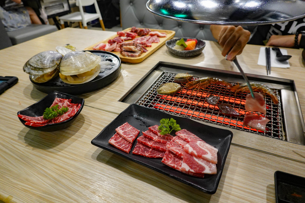 Japanese all-you-can-eat and all-you-can-drink barbecue. Both Japanese and Korean food are currently very popular in Hong Kong and it pays to book in advance