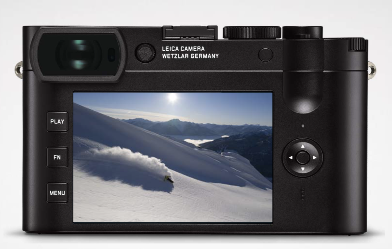 Big changes at the back, with the new OLED viewfinder, hi-res touch screen and push-in diopter adjustment. The three-button arrangement is identical to that of the CL
