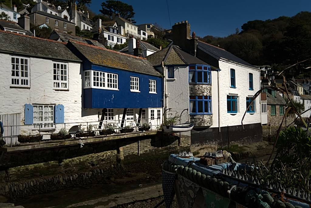 The Blue Cottage -- Devon and Cornwall and the Grenville family (Image David Bailey)