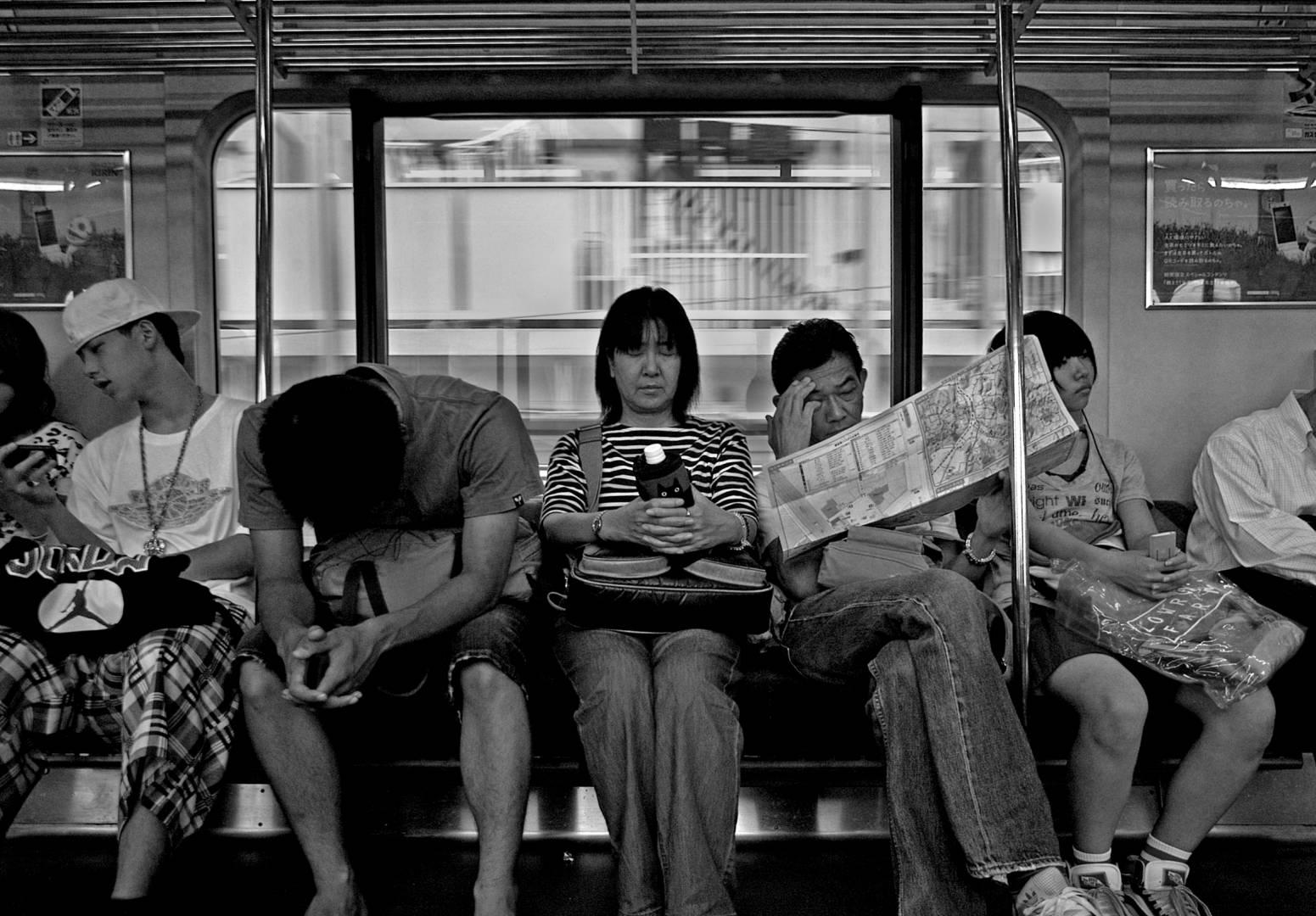 Train to Kamakura, Leica M8 15mm Voigtlaender