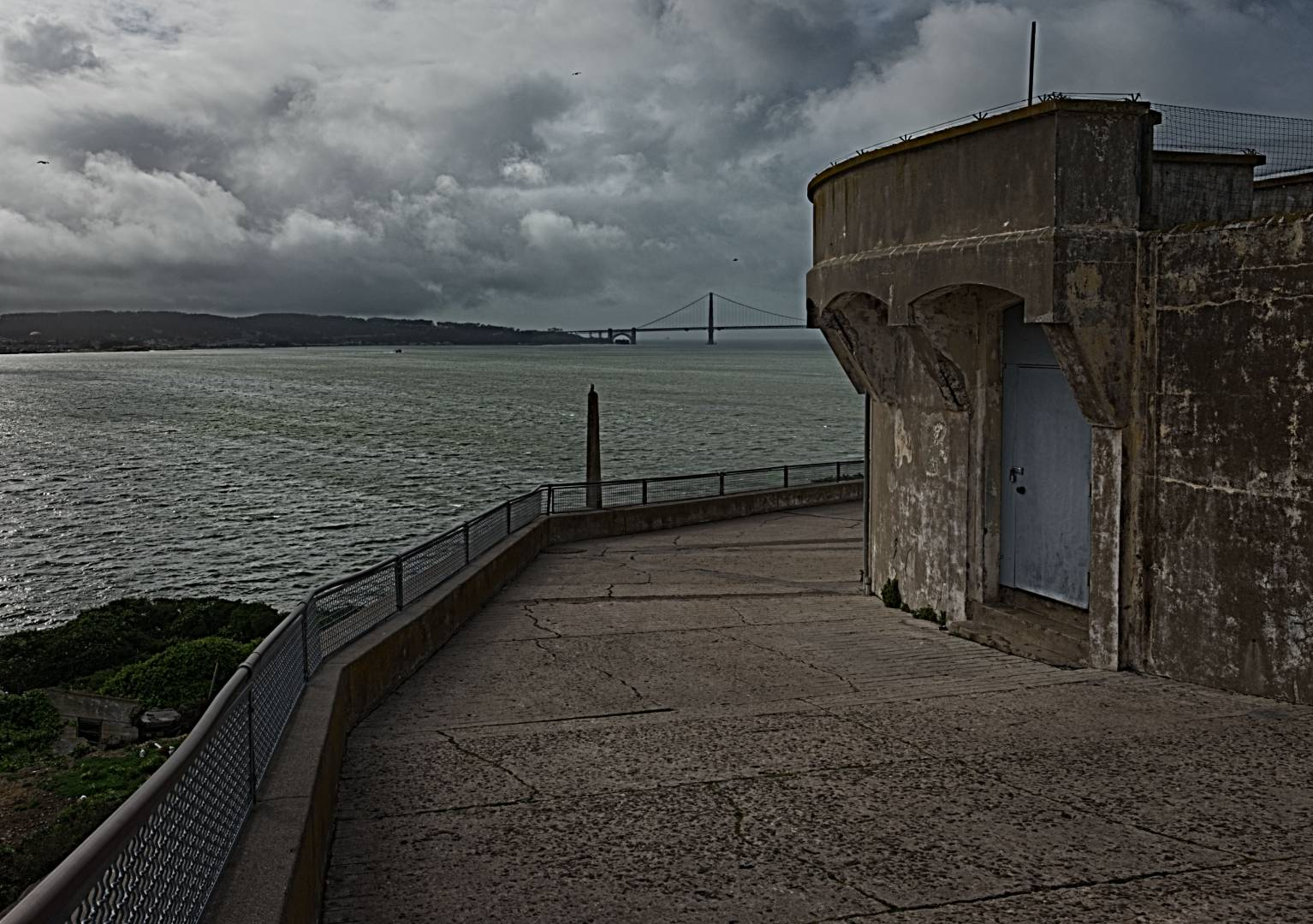 Alcatraz Ruins looking towards Golden Gate, X-T10 and 16mm