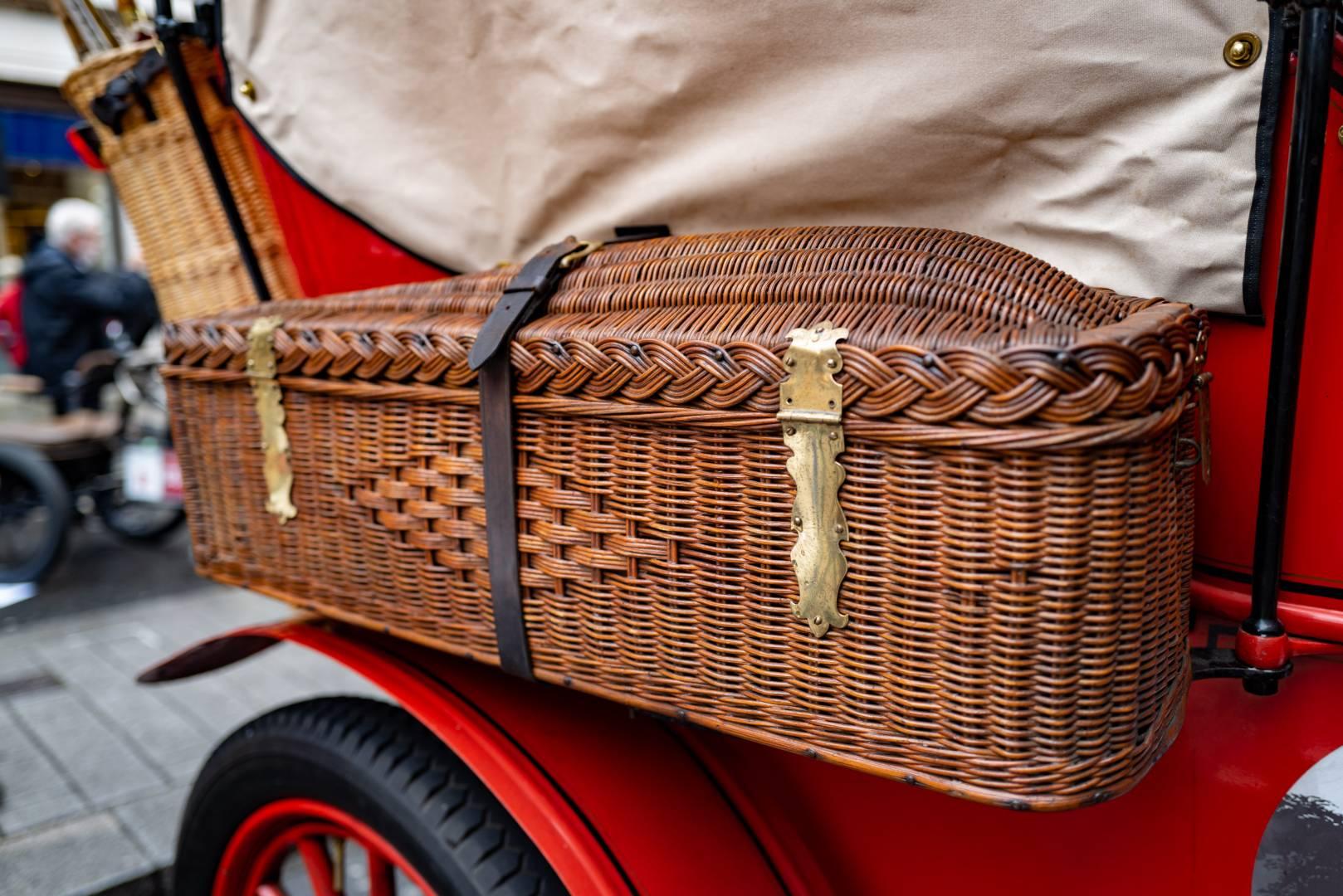 Wicker hamper for convenient roadside picnics