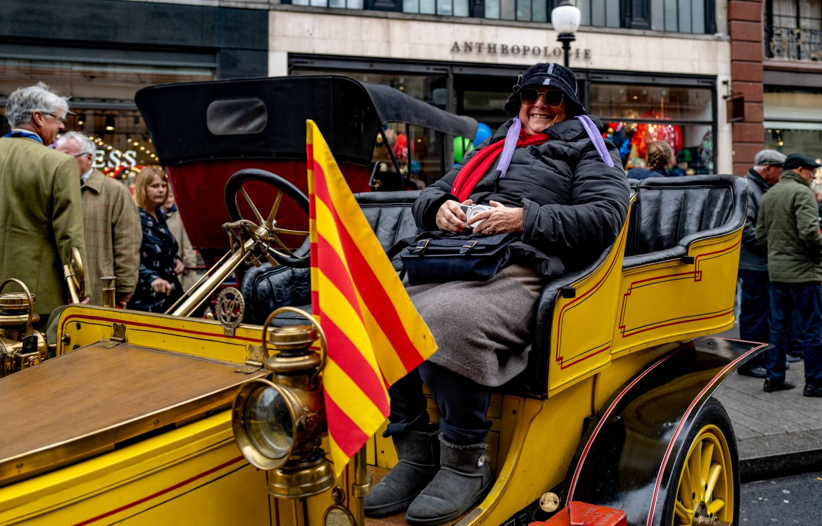 Separatist inclinations - a veteran from Barcelona flying the Catalan flag