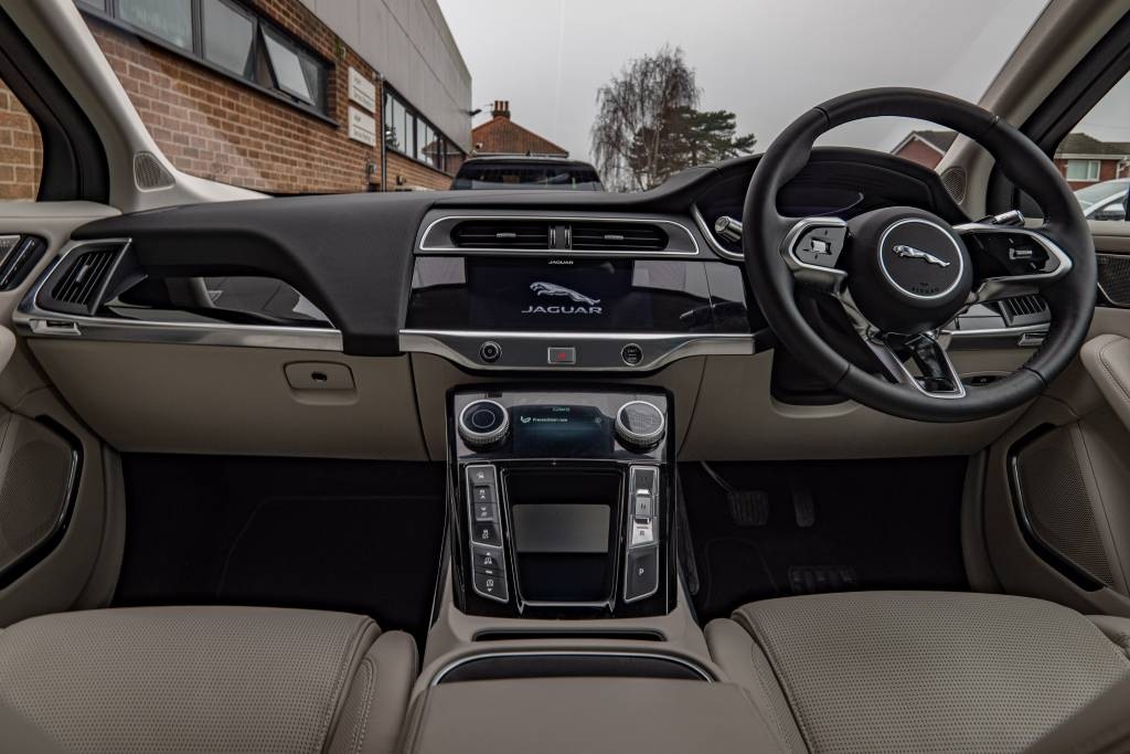 Jaguar has adopted the technology, in particular the modern driving assistance wizardry, without sacrificing the traditional look and feel. This is one advanced car and it provides a thoroughly modern driving experience.