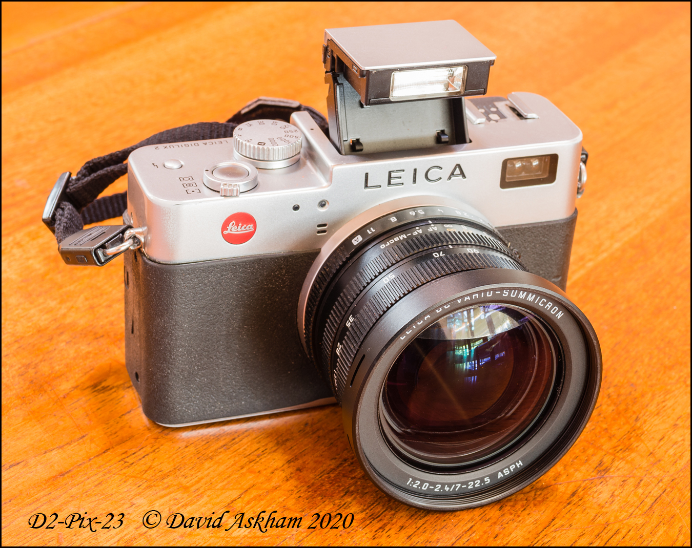 Digilux 2 with flash set to 90° (Taken with Leica X-Vario)