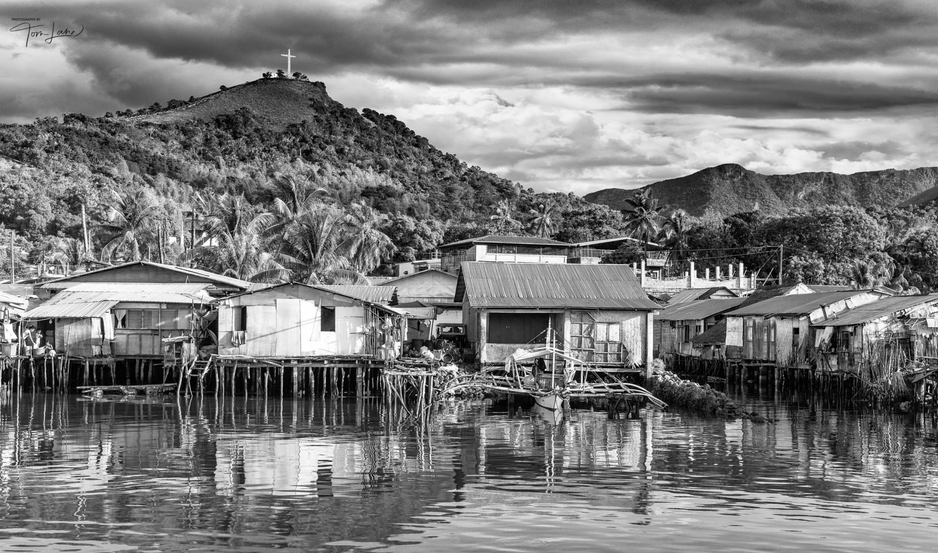 Coron Village in the Philippines (Leica M9 Monochrom and Tri-Elmar 28-35-50 set at 35mm)