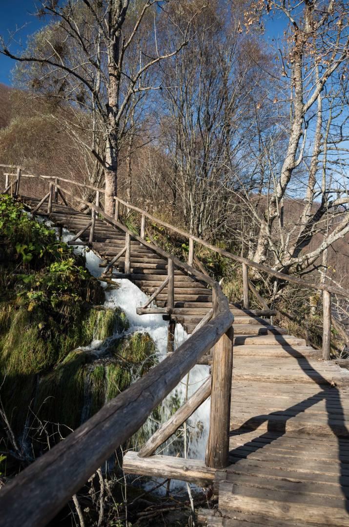 Climbing the barrier to Burgeti Lake
