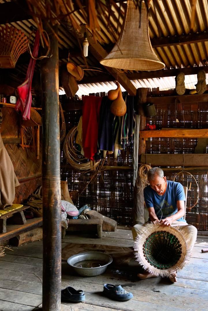 Arhe-u Meyase in his workshop